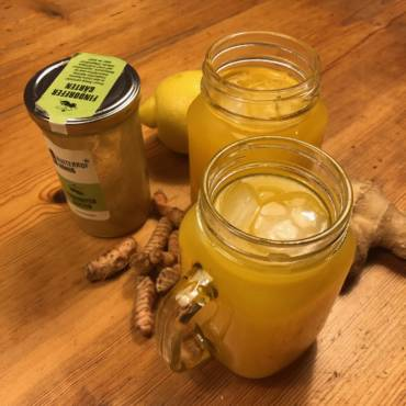Kurkuma-Honig-Ingwer-Limonade